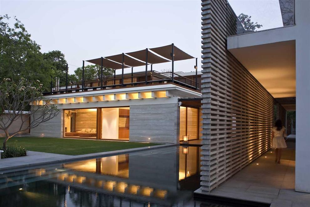 Tierra design with bedmar shi architects minimalist for Architecture design for home in delhi
