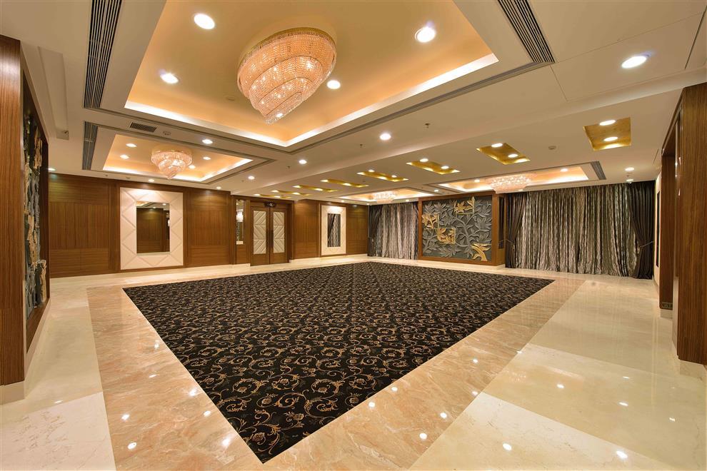 Ketan sheth interlink banquets ruby hall vidya vihar for Banquet hall designs layout
