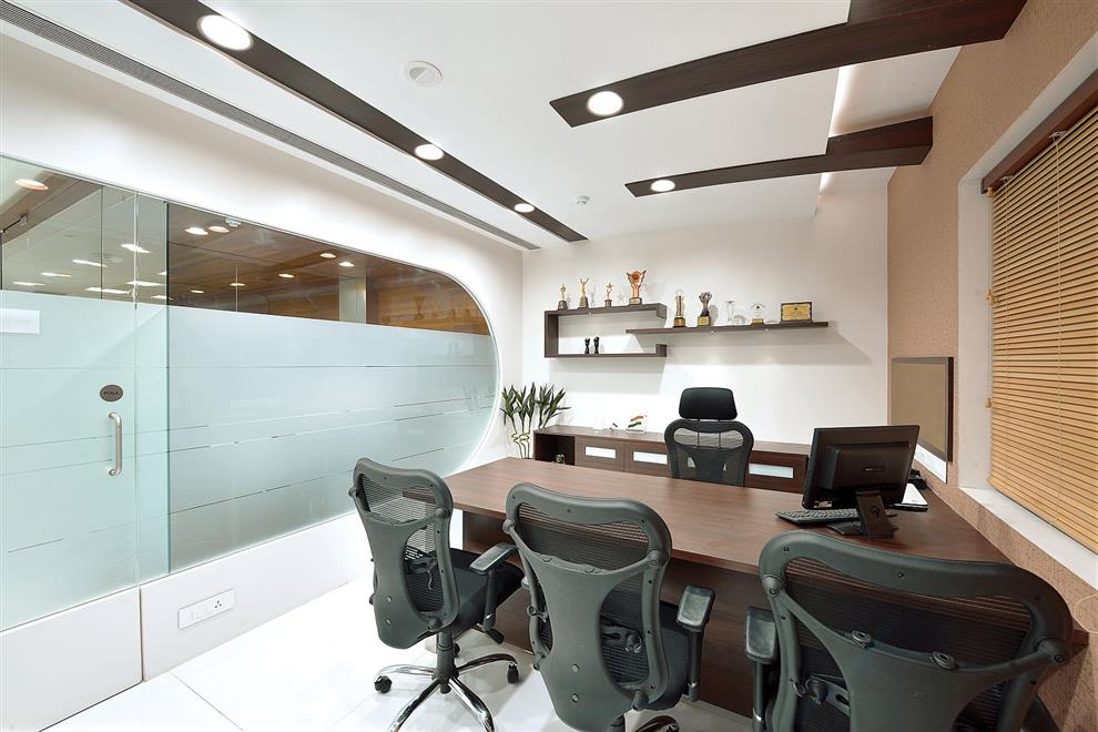 Milind pai ajanta pharma corporate office at kandivali for Office cabin design