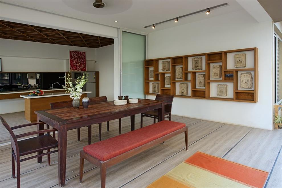 Hiren patel frangipani frangipani - Maison courtyard hiren patel architects ...