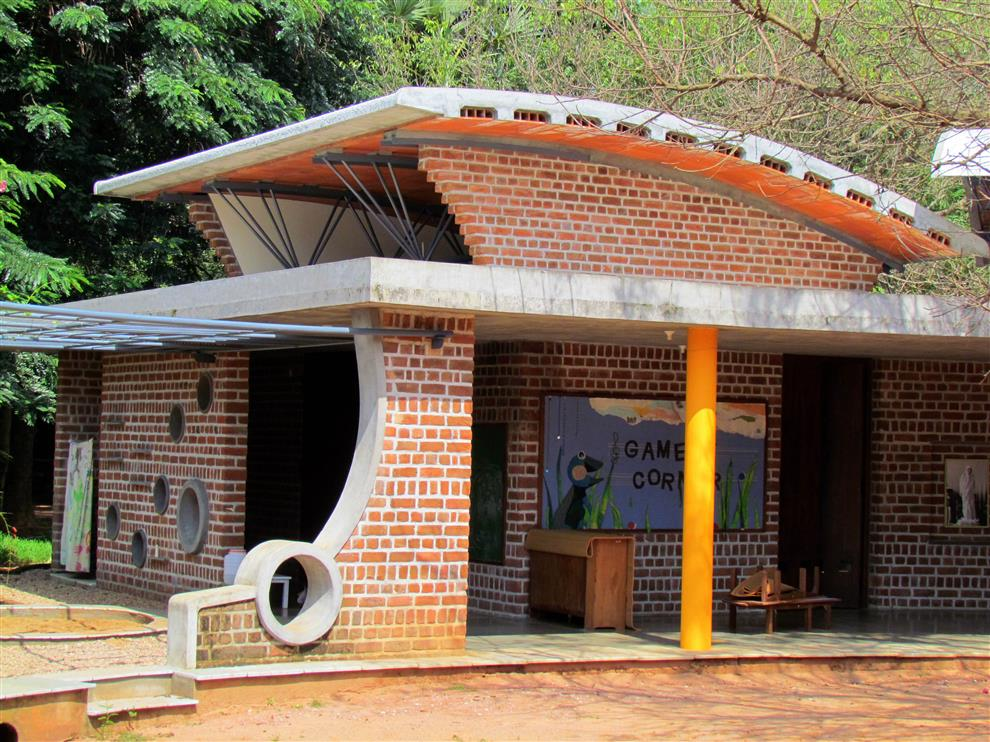 Path Architects And Planners Nandanam Kindergarten Classroom With High Roof And Surrounding