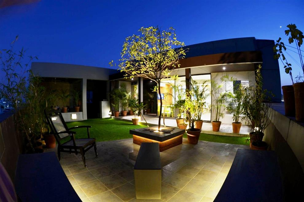 Studio 7 designs office terrace garden vadodara by rajnysh for Terrace tubular design