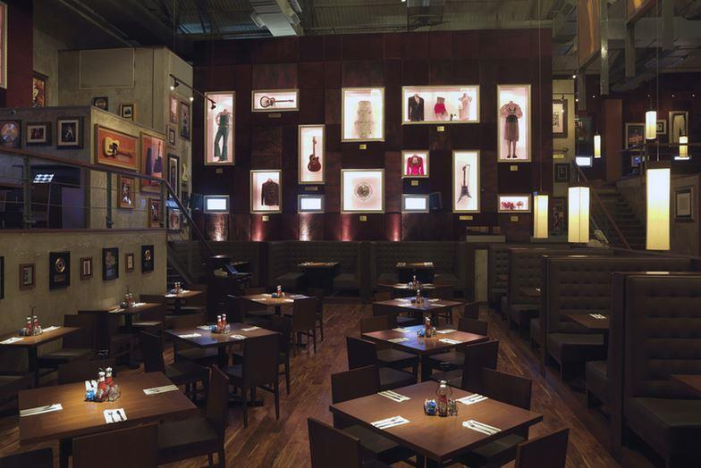 Hard rock cafe mumbai seating layout lower parel mumbai for Al saffar interior decoration l l c