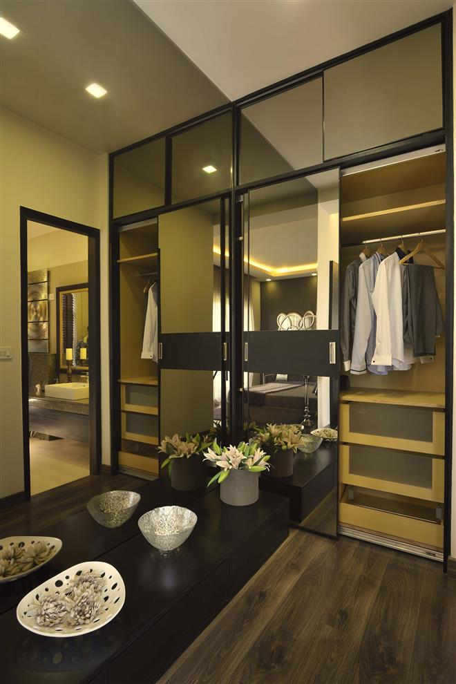 Greenburg microtek infrastructures foyer interiors m for Dining room wardrobe designs