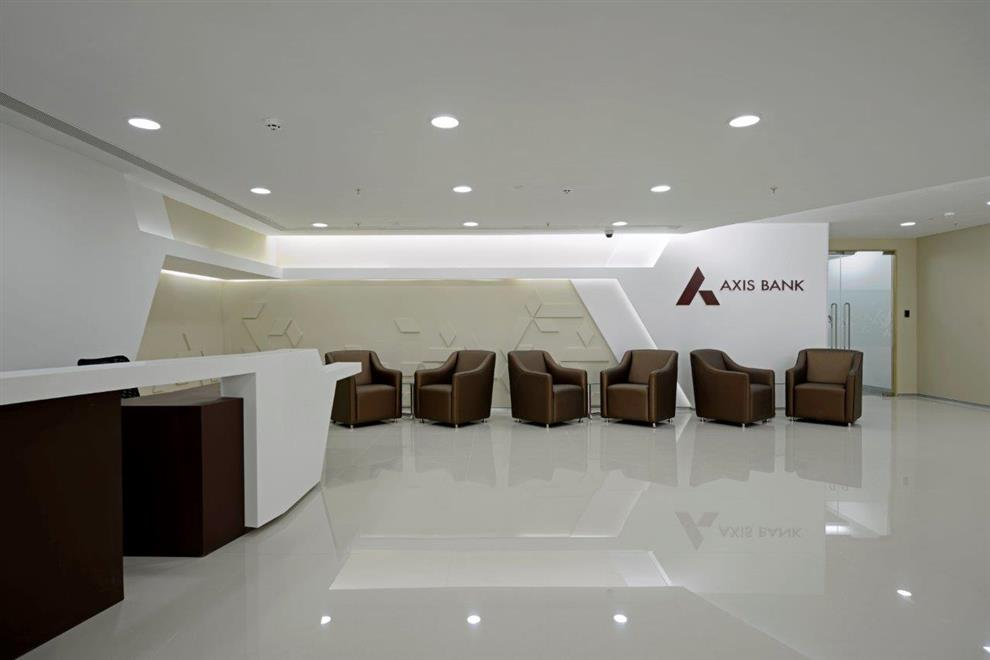 Ninad Tipnis Axis Bank Reception Area Airoli Navi Mumbai