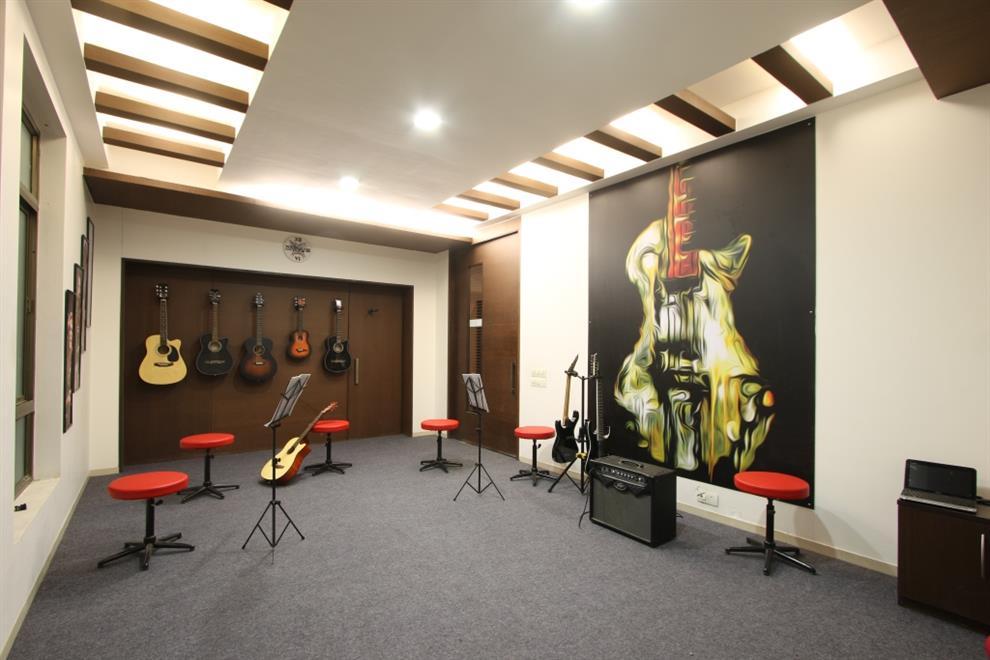 Rca studios the music school ahmedabad guitar room by - Interior design schools in alabama ...