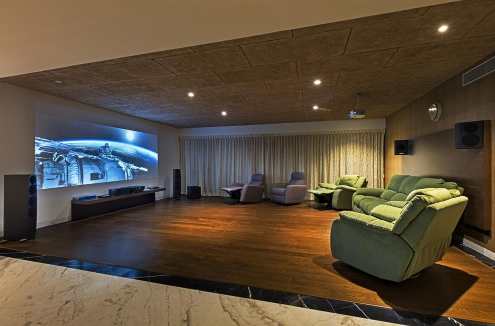 Akshay Heranjal KINGS HOUSE DUPLEX INTERIORS   Home Theatre   Bangalore,  India