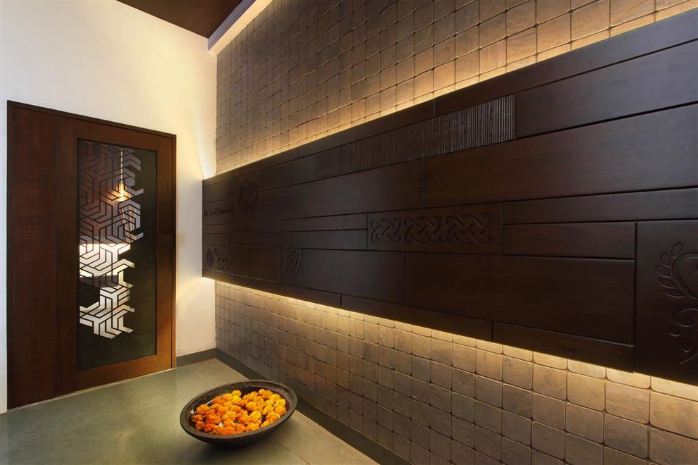 Foyer Designs Bangalore : Archis patel tanvi rajpurohit mr vipul dharsandiya