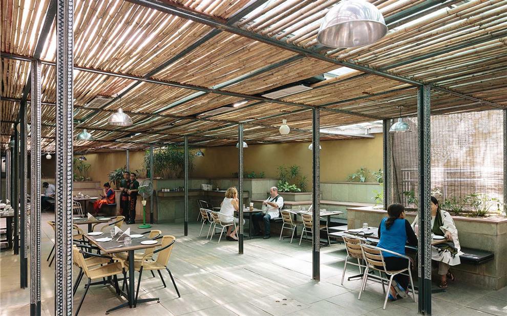Ambrish arora cafe lota museum shop national crafts for Spaces architecture studio delhi