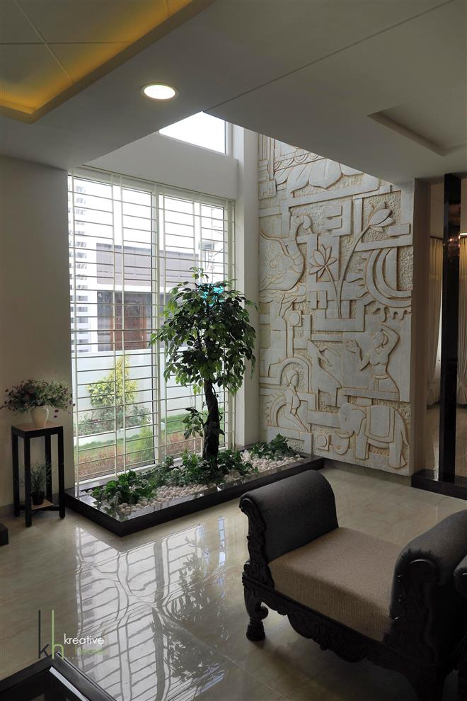 Pavan Kakade Buddha Mural And Bodhi Tree Themed Interiors