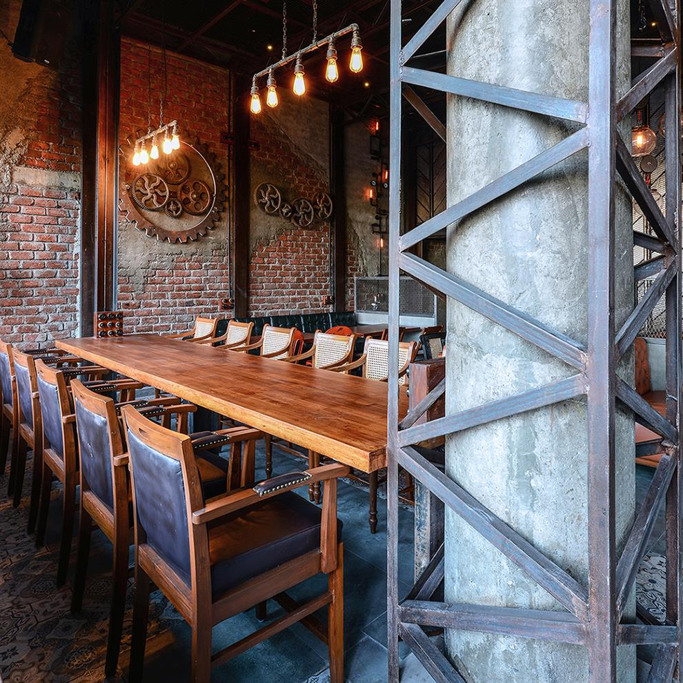 The Foundry Ii Cafe Rollins Dining Table Art Furniture: Ketan Jawdekar The Urban Foundry
